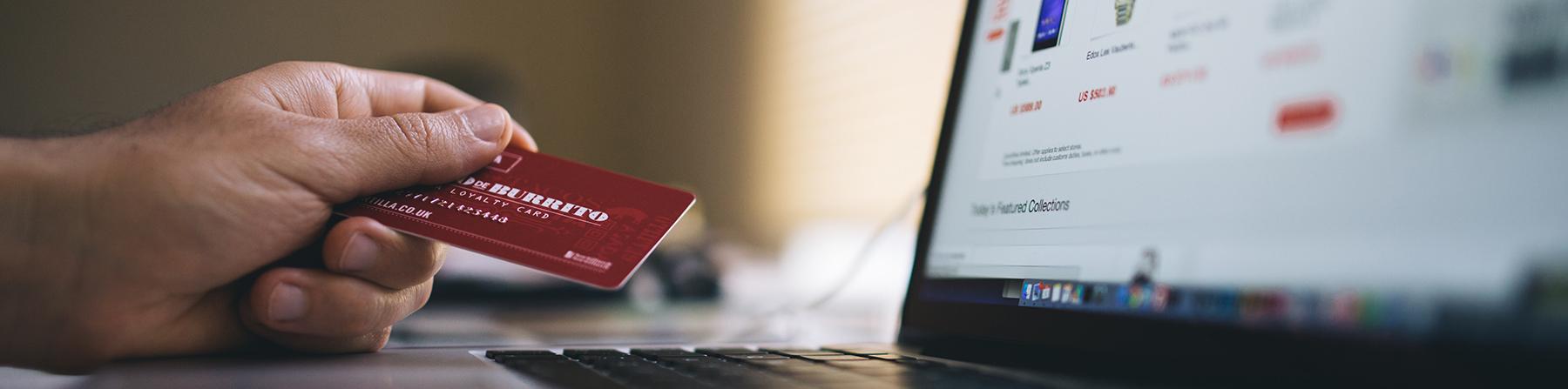 Carte de credit VS pret a temperament: avantages et inconvénients